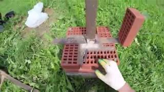 видео Забор из профнастила с кирпичными столбами