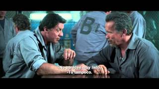 PLAN DE ESCAPE - Tráiler oficial con Sylvester Stallone y Arnold Schwarzenegger
