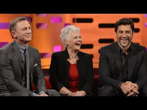 DANIEL CRAIG: Shirtless & Sexy James Bond (The Graham Norton Show)