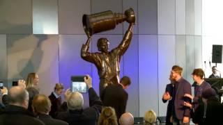 Wayne Gretzky Statue unveiling
