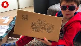 Super-héros SpiderMan Joue avec Jouets Voitures Télécommandés pour les Garçons - Video pour Enfants