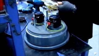Как поменять карбоновые щетки двигателя в промышленном пылесосе Mastervac