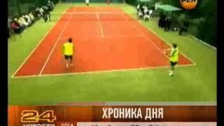 Янукович всех победил в теннис