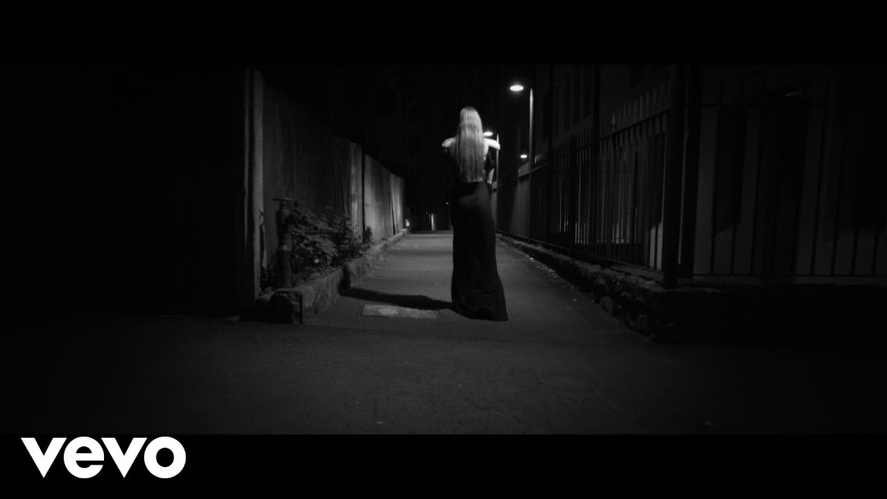 Vera Blue – Settle (Official Video)