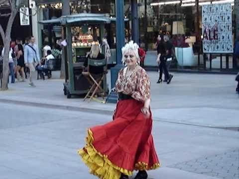 Crazy Women Dancing @ Santa Monica Promenade