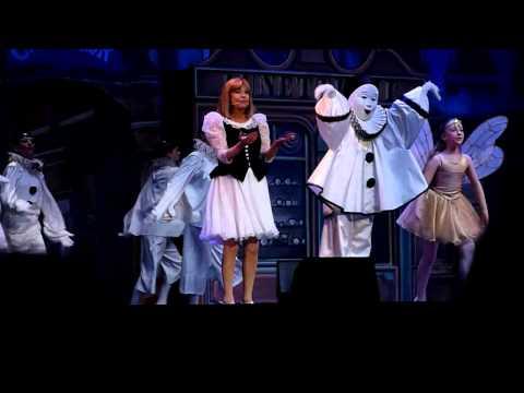 Chantal Goya - Pierrot Tout Blanc Live @ La Planète Merveilleuse, Dijon, 2014 HD
