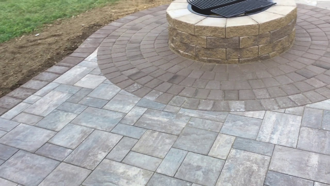 Cambridge Riverbed Blend Ledgestone Patio With Firepit