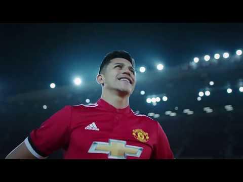 Sanchez yacuranze Piano mbere yo gukandagira muri OT nk'umukinnyi wa Manchester United