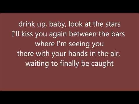 Elliott Smith - Between the bars Lyrics