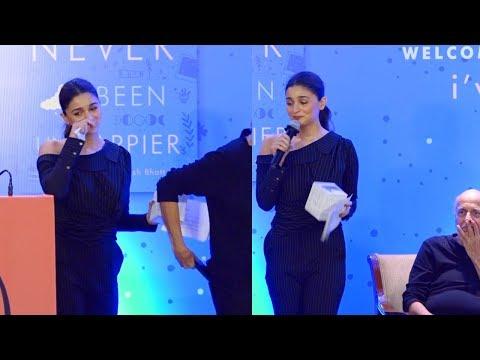 Alia Bhatt Breaks Down Into Tears As She Speaks About Sister Shaheen Bhatt's Depression Mp3
