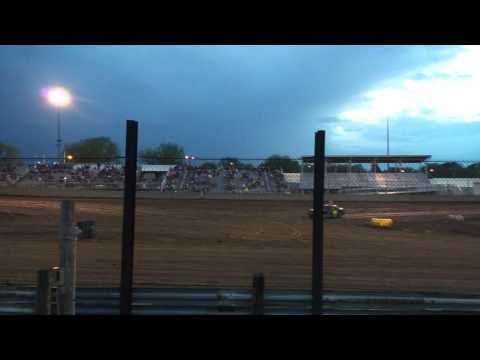 Hobby stock heat race Warren county speedway