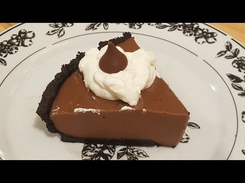 Chocolate Pudding Pie - No Bake - The Hillbilly Kitchen