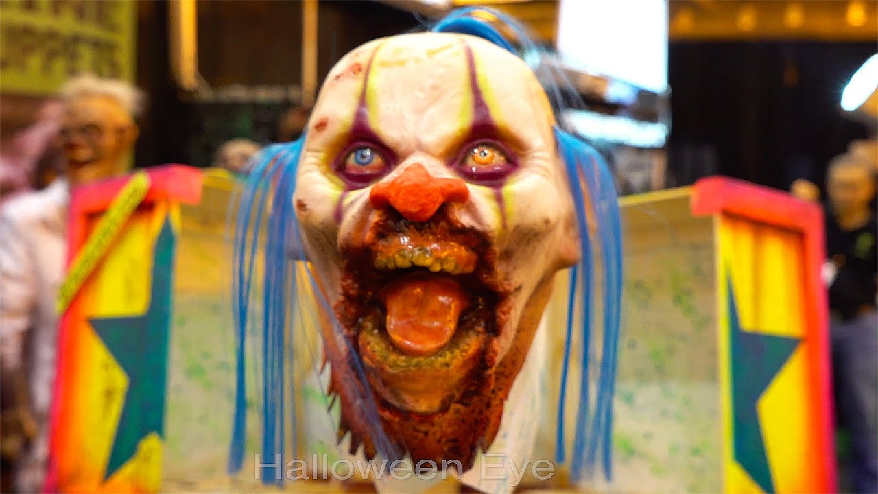 SCARY CLOWN Head Jumps from Box | Jack In the Box Halloween Prop