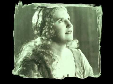 Kirsten Flagstad -  A singing lesson: How to sing Wagner [1950]