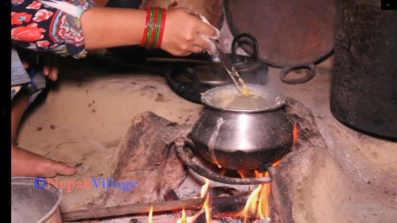 Traditional lifestyle of people in village ll Cooking food and eating together by family