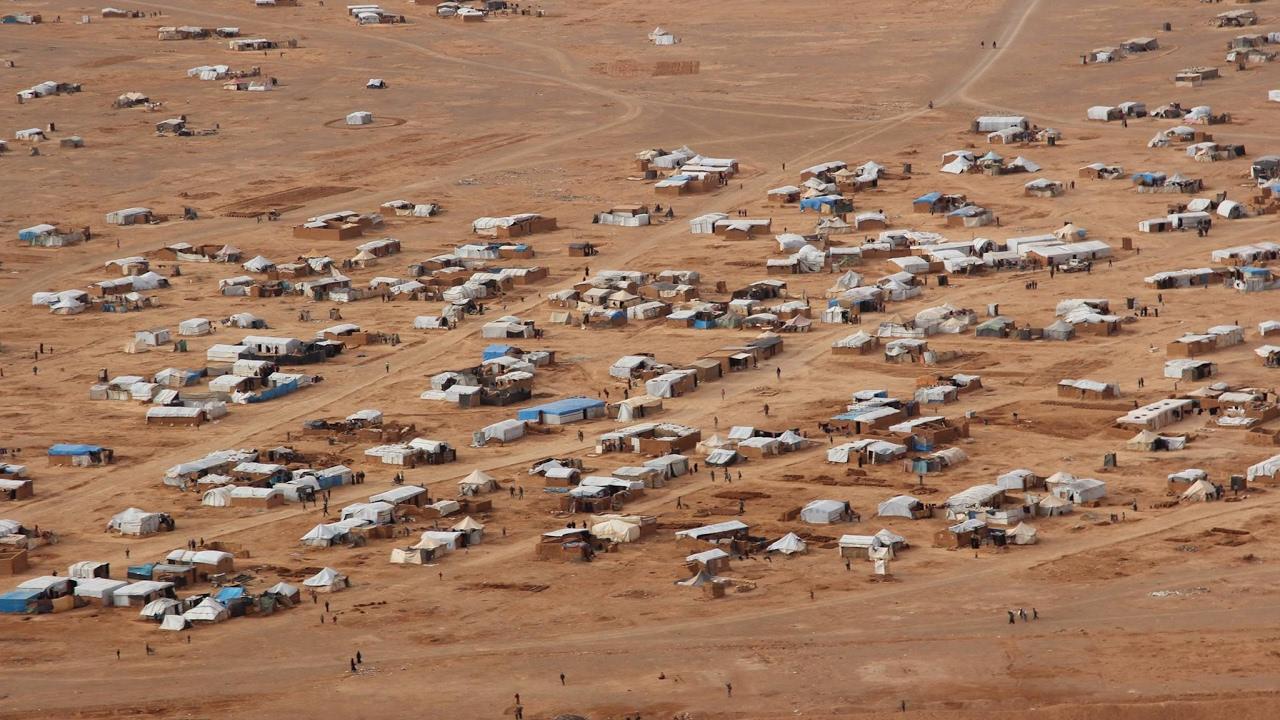 Kamp pengungsian, kamp tahanan,serta sel-sel tidur ISIS, masih menjadi ancaman besar (gambar dari: https://www.youtube.com/watch?v=S6V4e0Mlcis)