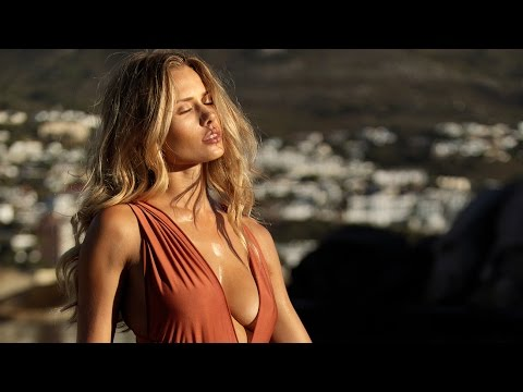 Shooting Swimwear in Cape Town -  How to shoot in Natural light and Direct Sunlight
