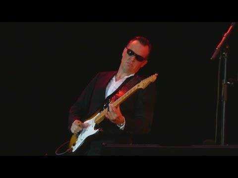 Joe Bonamassa - King Bee Shakedown - Helsinki Ice Hall, Finland Sept 22, 2018