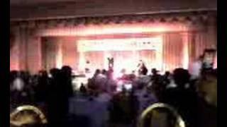 友人の結婚式でのかりゆし58のライブ。 良い感じでした。