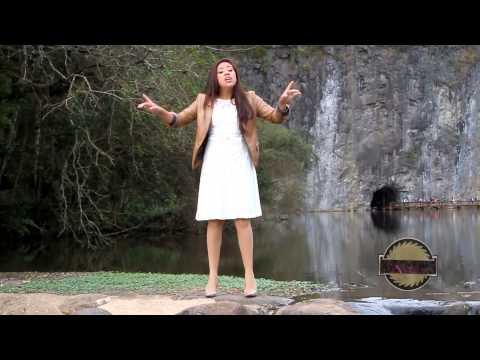 Cantora Tamara Cristina Fonte De Misterio