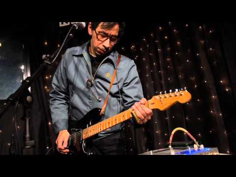 Kid Congo Powers and the Pink Monkey Birds - Bubble Trouble (Live on KEXP)