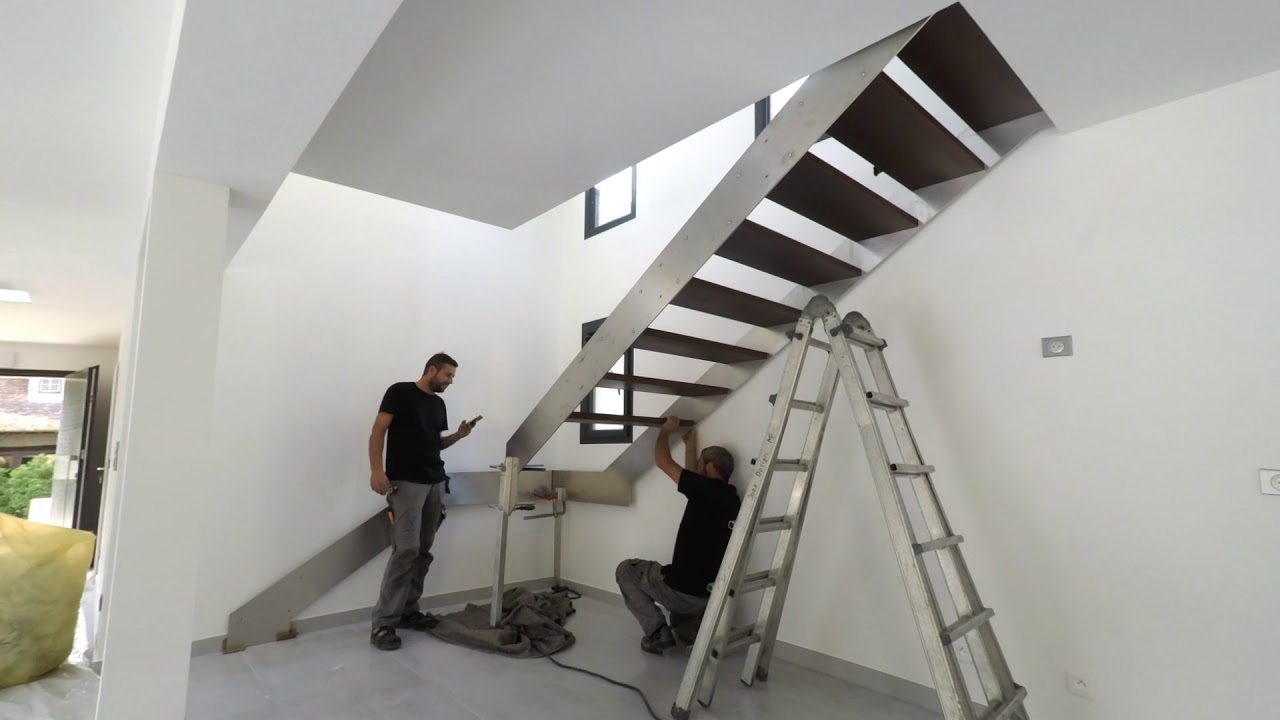 montage escalier inox design avec garde corps verre youtube. Black Bedroom Furniture Sets. Home Design Ideas