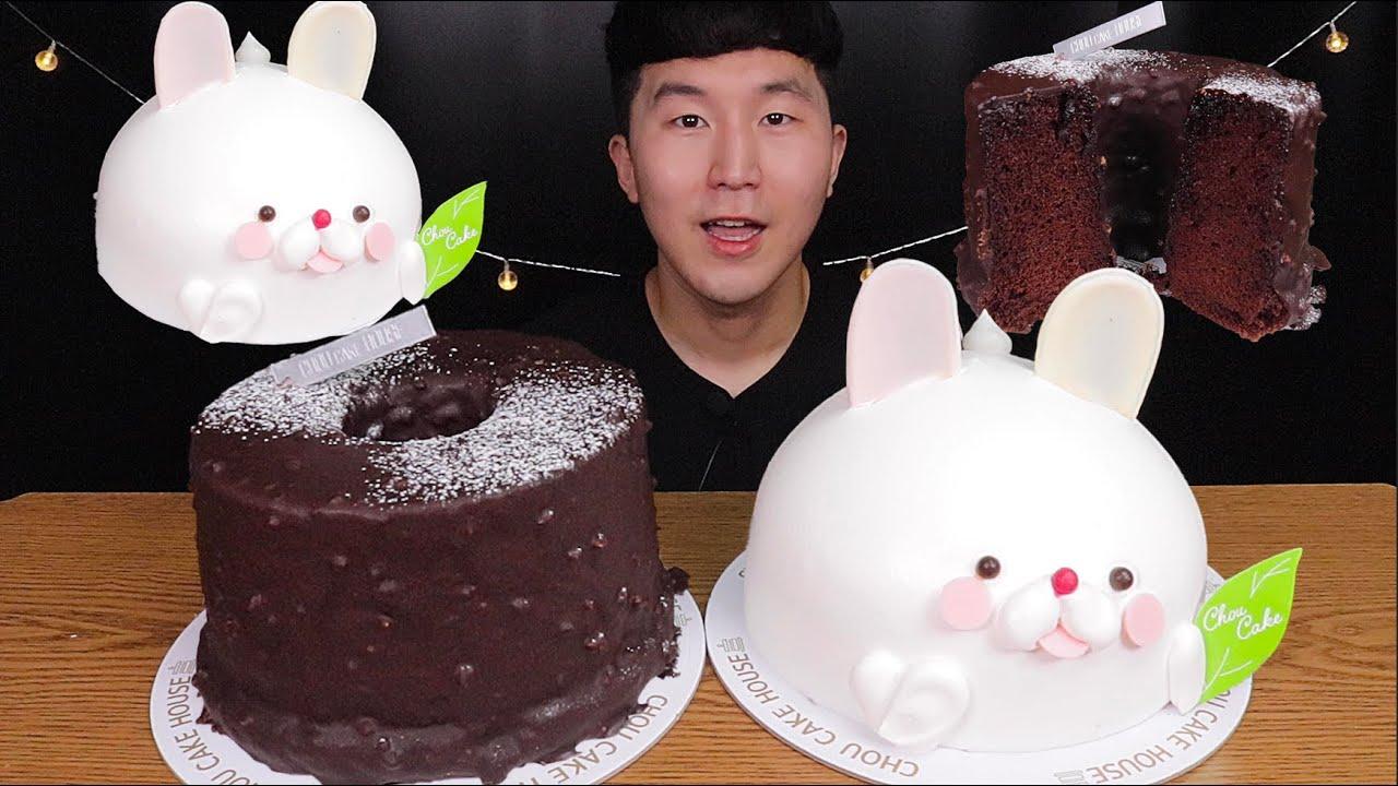 [SUB]😋오늘은 간단하게 케이크 두판 먹었어요😋(Chocolate Cake, Character Cream Cak)#MUKBANG