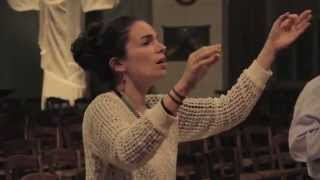 "Yael Naim : Rehearsal for the song ""Coward"" with the Bardot Children Choir [video officielle]"