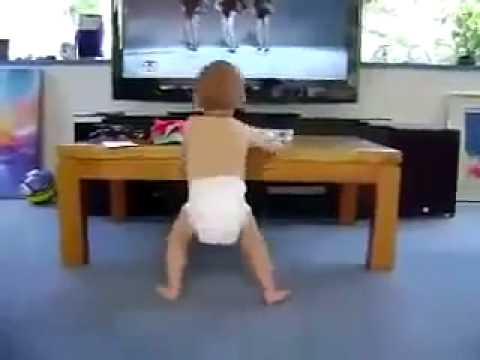 Vídeos de risa bebé bailando