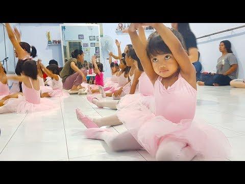 Balet Anak Kecil Indonesia ❤ Lucunya Aka Belajar Tari Balet