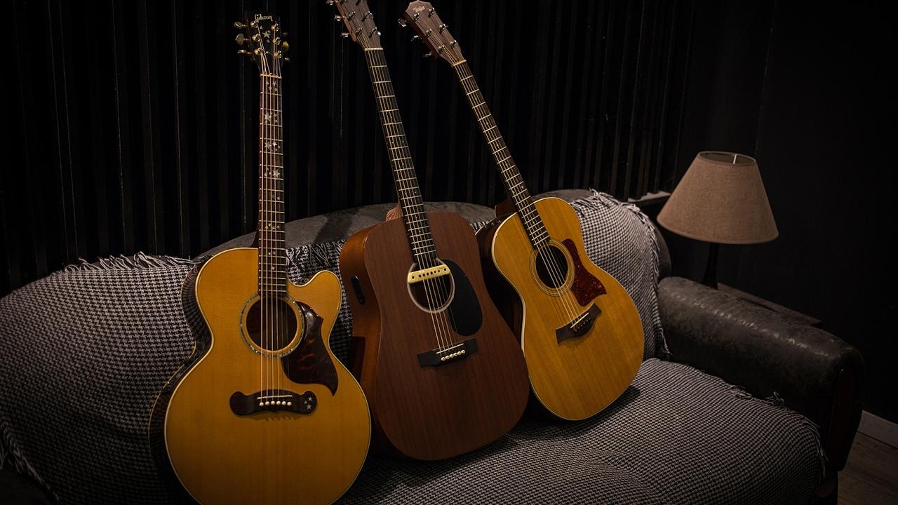 Gibson vs Taylor vs Martin - Comparando Marcas Clássicas de Violão - Victor  Pradella