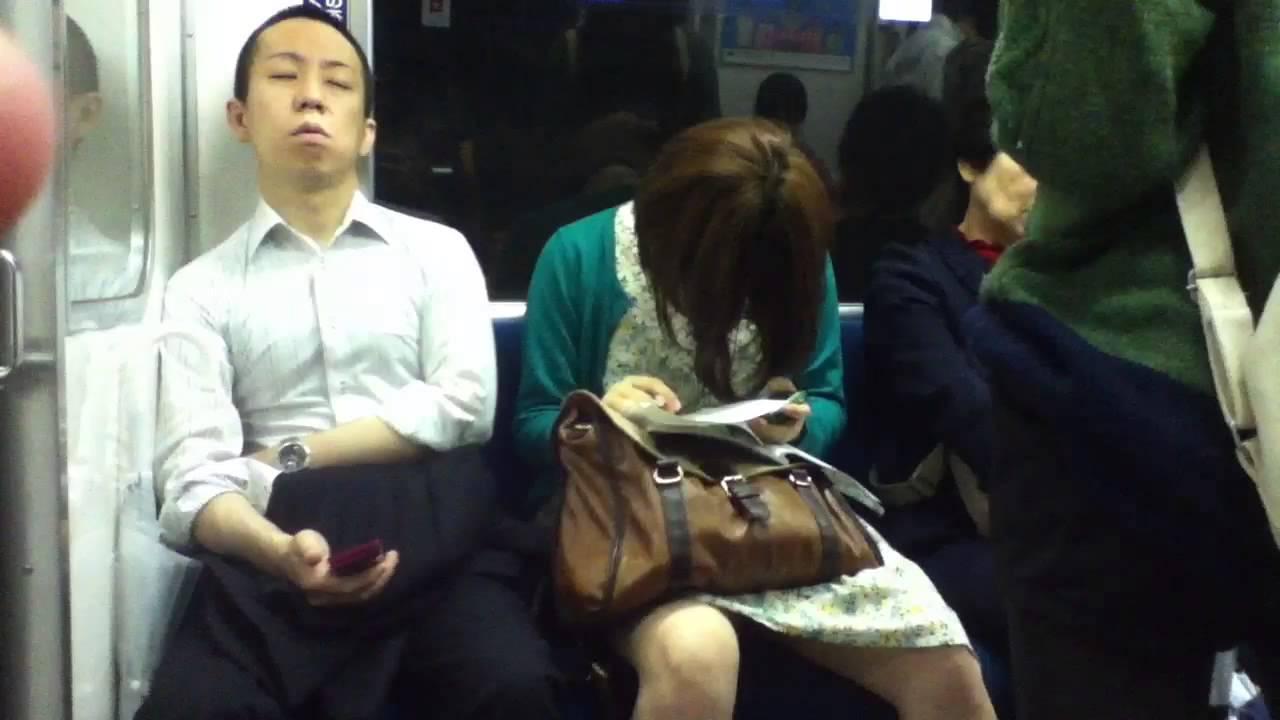 Жену лапали в метро