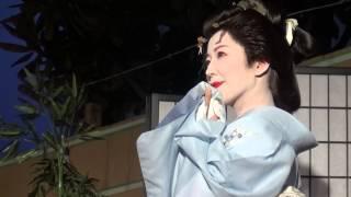 八王子まつりでの、芸者お披露目シーン① ドラマのクライマックスシーン...
