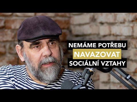 Nemáme potřebu navazovat sociální vztahy a tak zakrňujeme, říká Vratislav Hlásek