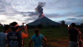 56,000 people flee as Philippines volcano spews lava thumbnail
