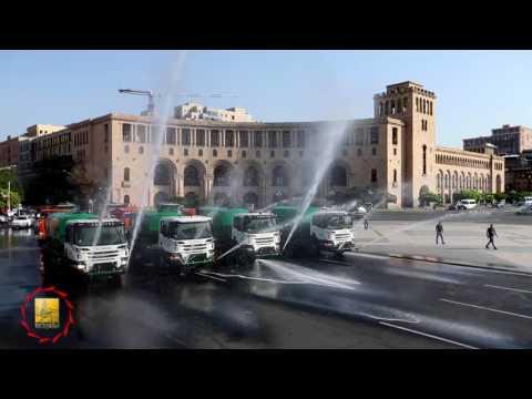 «Երևանյան ամառ 2017». ջրցան մեքենաների շքերթ՝ նվիրված Վարդավառի տոնին