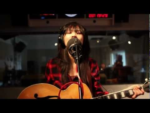 "Thao And The Get Down Stay Down: ""City"", Live On Soundcheck"