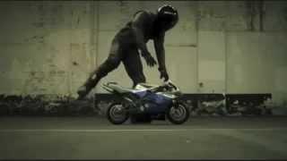 日本のCMよりも100倍面白い海外のkawasaki バイク ninjaCM