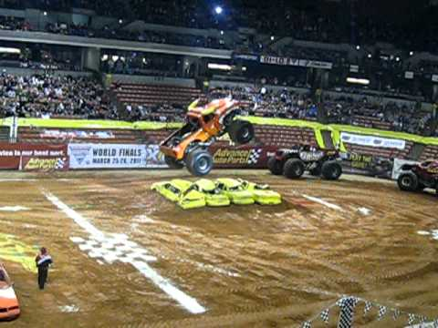 Monster Jam 2011 El Toro Loco Wheelie Contest
