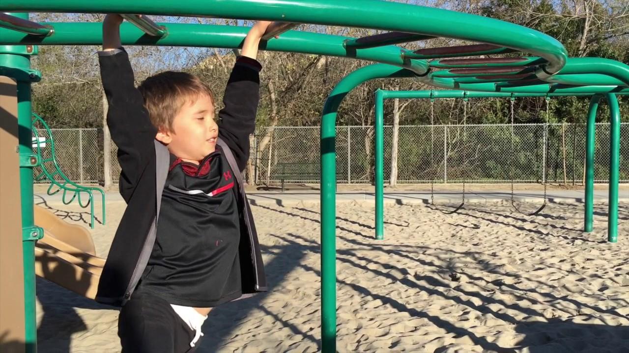 Instructing Kid - How to do the monkey bars - YouTube