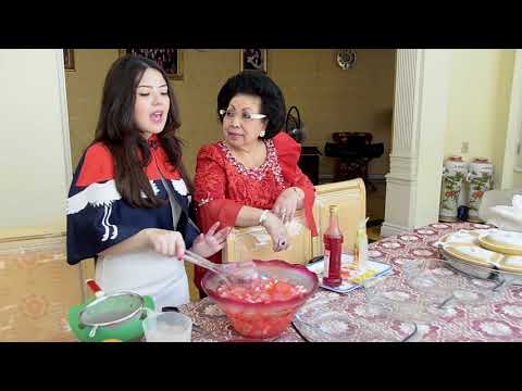 Tina Toon dan OMA Bikin Es Buah Imlek ?!?!