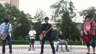 東京都内で活動中の中学生バンド、トライガルフォックスのオリジナル曲...
