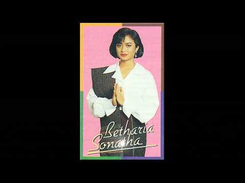 Lagu Batak - Ho Do Mata Mual Hu by Betharia Sonata