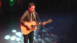 Andy Grammer 'Sunday Morning' at G105's Acoustic Christmas