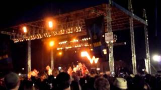 Weezer - Island In The Sun at Del Mar Race Track 8/21/2010