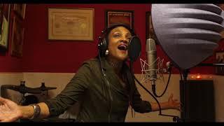 Carlene Davis -  'Praising God' (Live Studio Session)