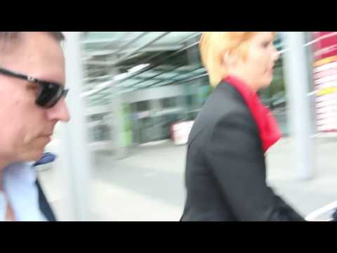 Peter Thiel asked about Bilderberg at Dresden Airport