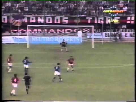 1993 AC Milan vs Brazil P5