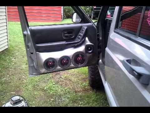 B\u0026D Custom Car Audio door pods & B\u0026D Custom Car Audio door pods - YouTube