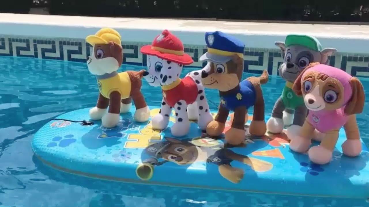 Patrulla canina en la piscina / Videos de juguetes paw patrol para niños en español